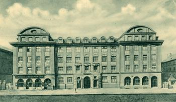 Die 'Arbeiterburg ' in der Pestalozzistraße.